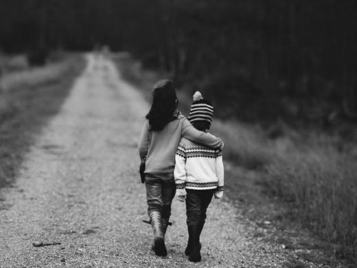 Direitos de crianças e adolescentes: por uma formação de profissionais específica