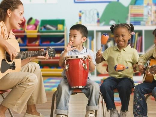 Como a música ajuda no desenvolvimento cognitivo das crianças